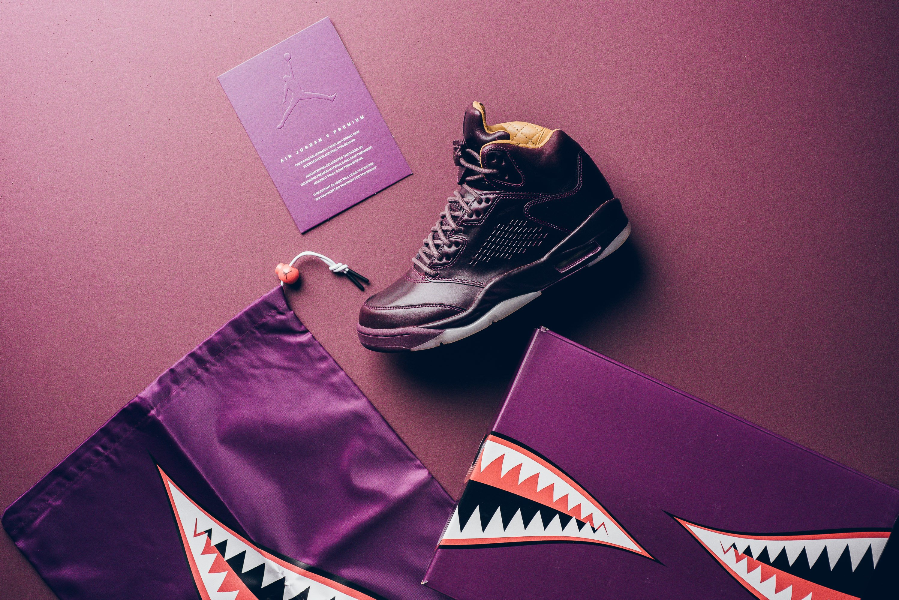 Air_JOrdan_5_retro_Premium_bordeaux_881432_612_sneaker_politics_13