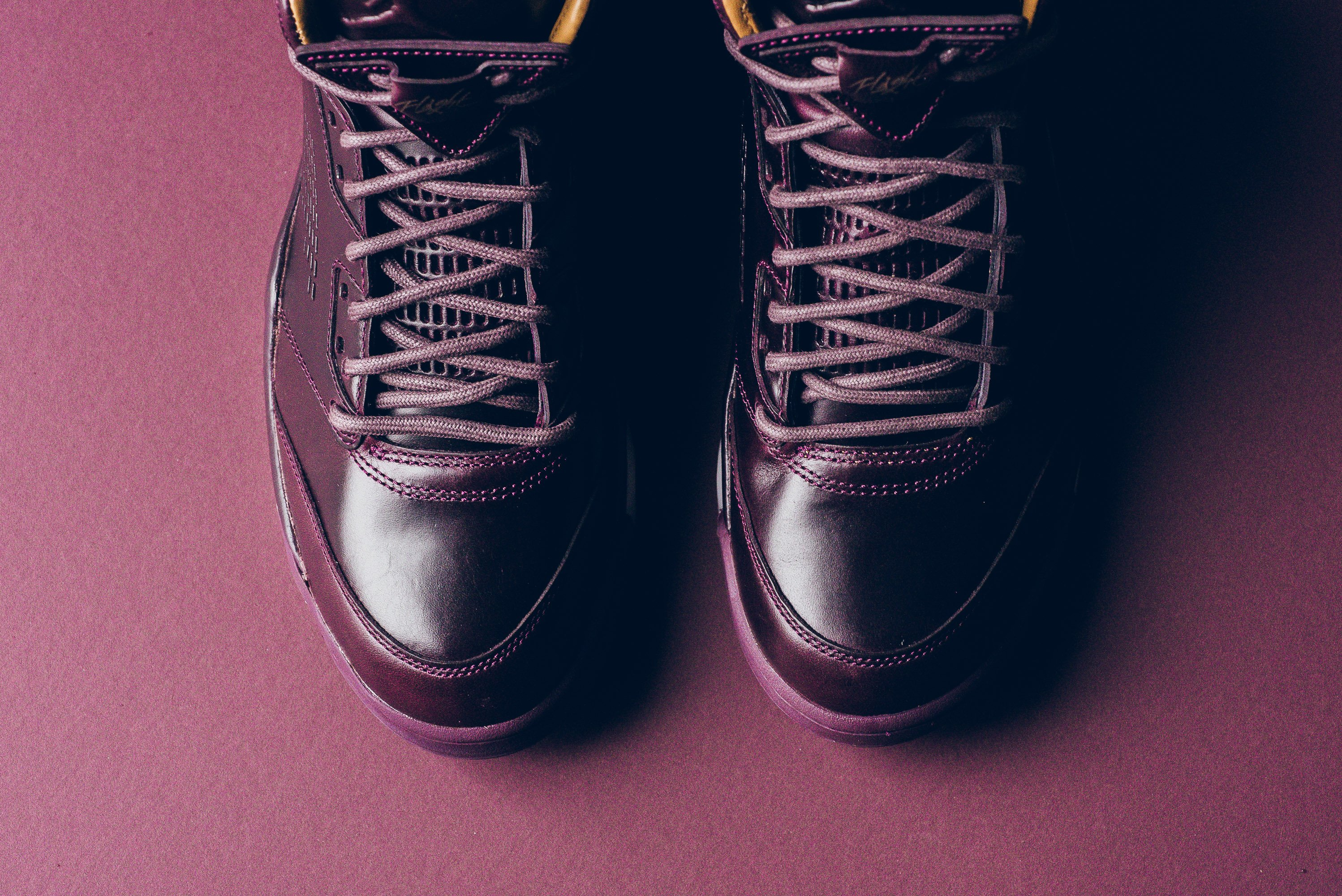 Air_JOrdan_5_retro_Premium_bordeaux_881432_612_sneaker_politics_8