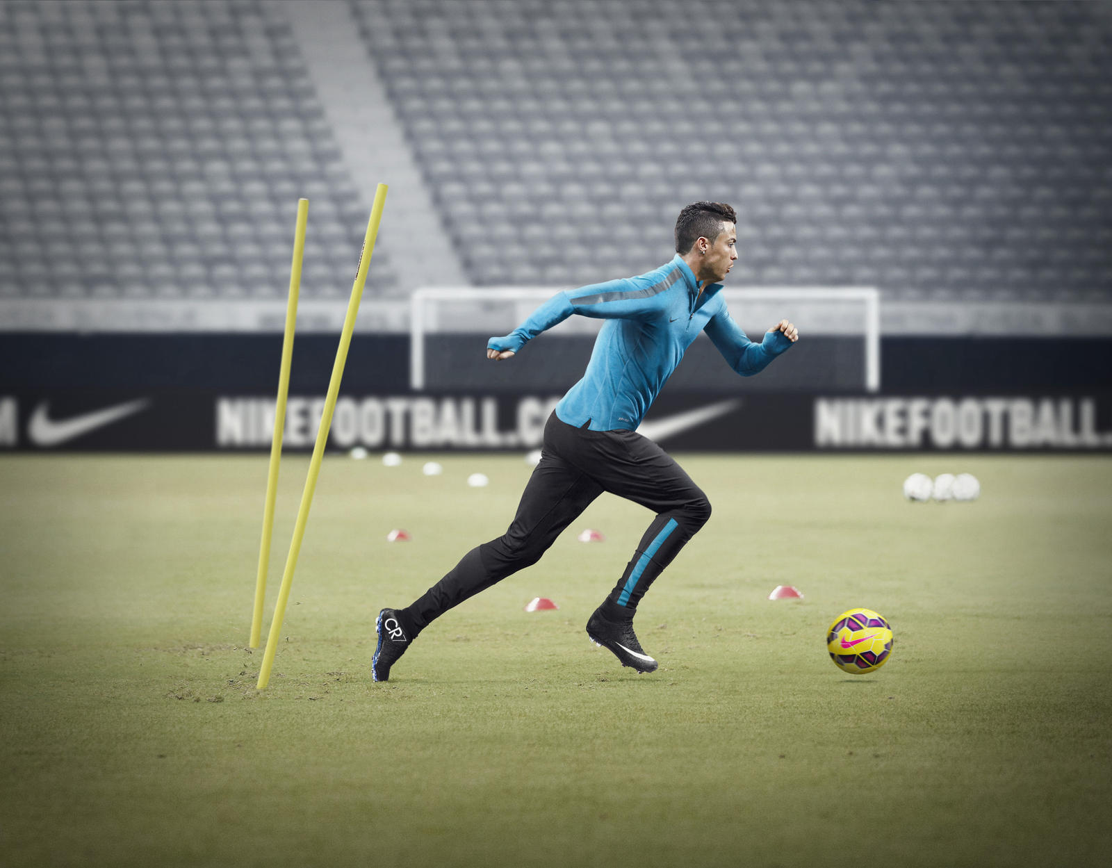 HO14_FB_Training_Ronaldo_2_native_1600