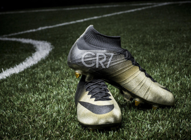 Mercurial-CR7-Rare-Gold-2