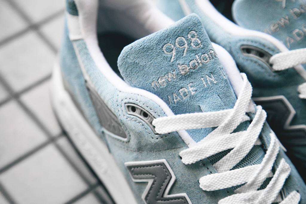 New-Balance-Made-in-USA-pool-blue-lengueta
