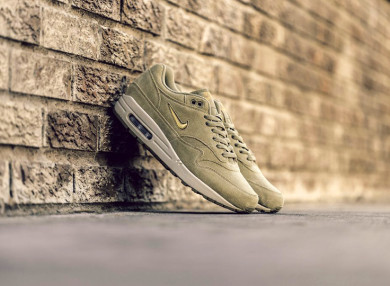 Nike-AM1-Jewel-Neutral-Olive-thumb