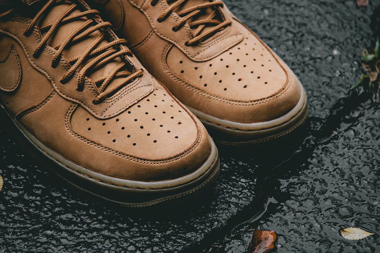 avance nike air force 1 high flax cordons negres. Black Bedroom Furniture Sets. Home Design Ideas
