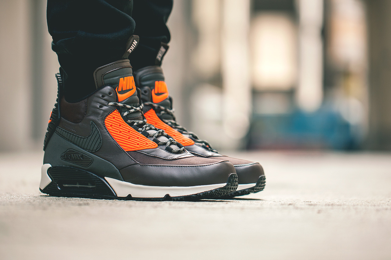 eed856217f5 Nike-Air-Max-90-Sneakerboot-1