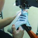 "El proceso de fabricación de las Adidas Superstar ""Made in France"""