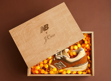 new-balance-997-butterscotch-jcrew-thumb