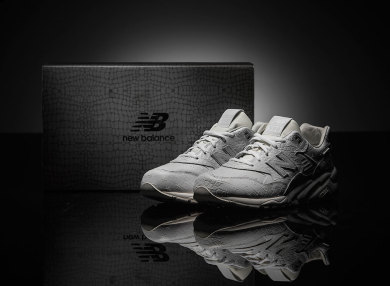 new-balance-mrt580xx-all-white-special-edition-01