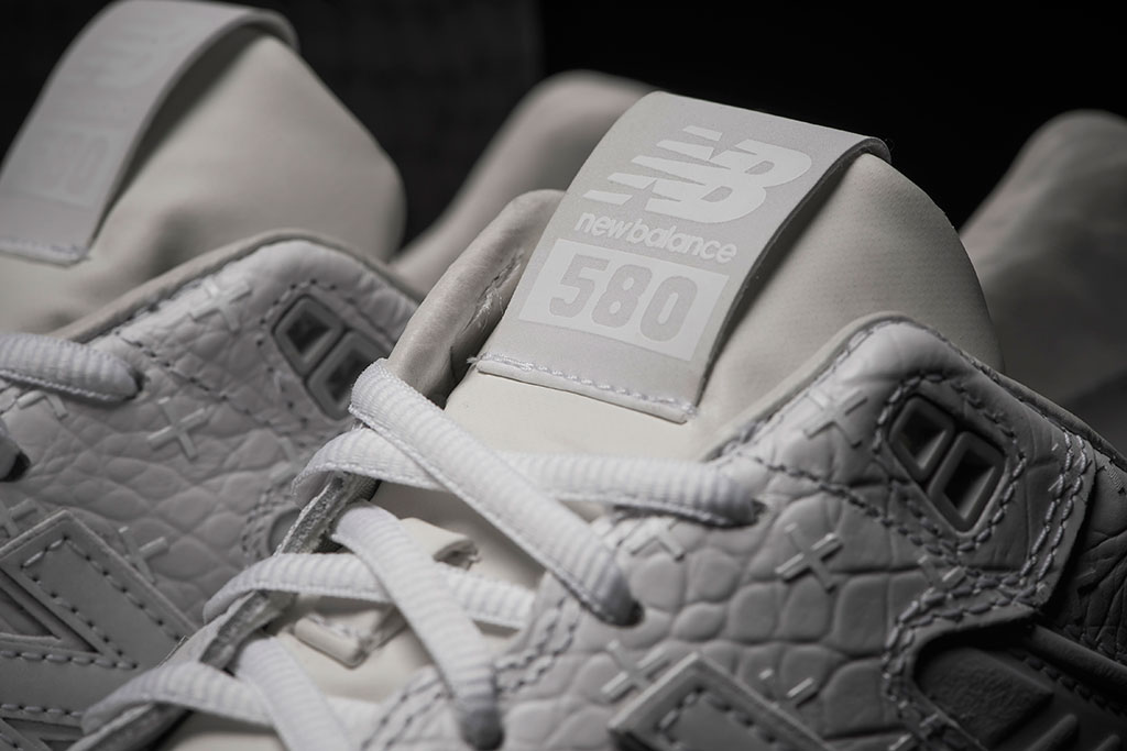 new-balance-mrt580xx-all-white-special-edition-03