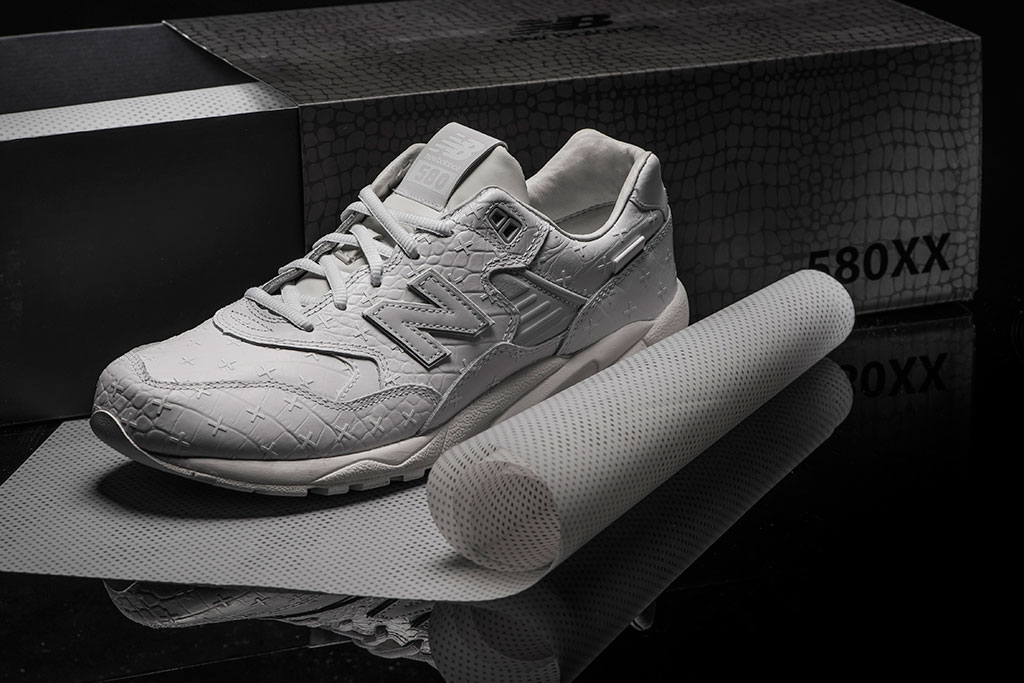 new-balance-mrt580xx-all-white-special-edition-04