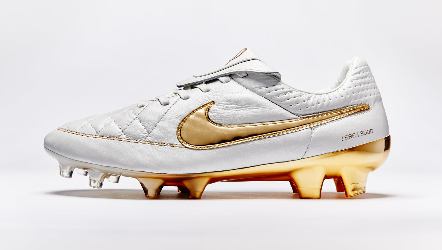 nike-tiempo-r10-closer-look-img3