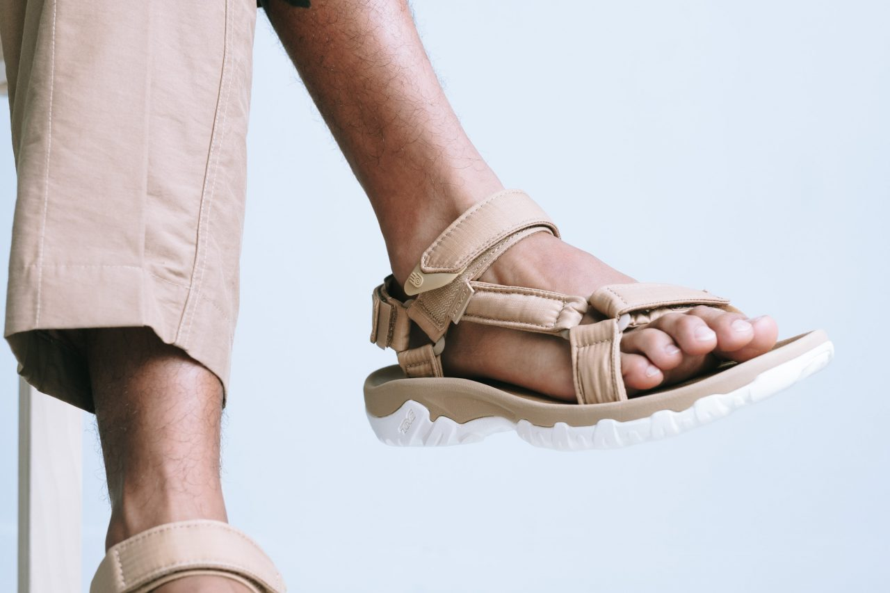 teva-x-beautyyouth-hurricane-xlt-wearing-02-1280x853